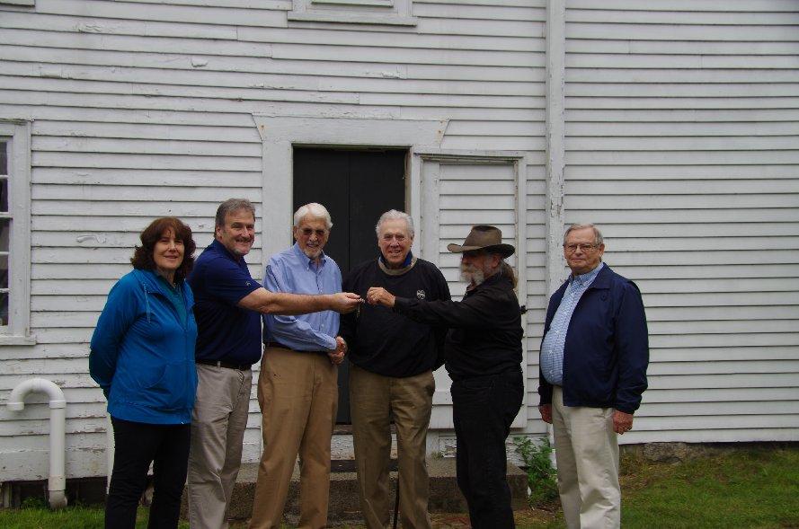 Putnam descendants accept keys from Society Trustees